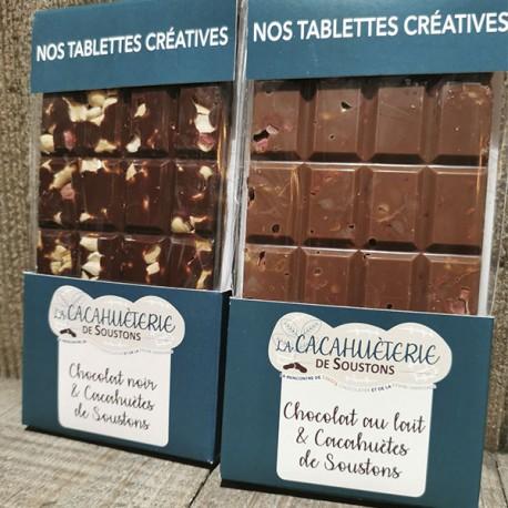 Tablette de chocolat noir et cacahuètes